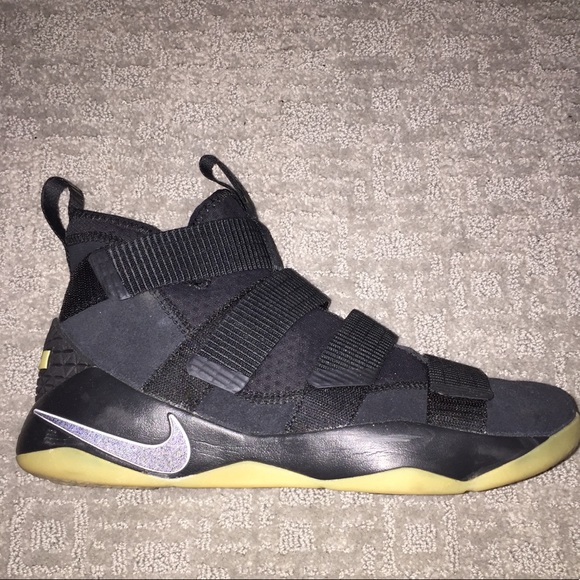 low priced d4919 452c6 Lebron James 2018 Zoom Edition♠️